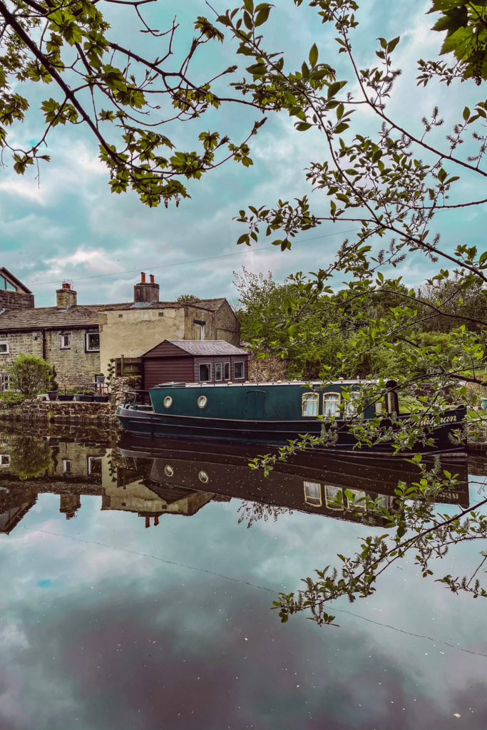 Leeds and Liverpool Canal Walk